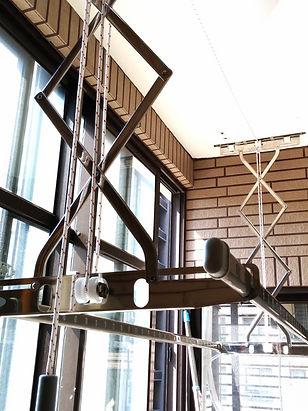 特殊滑輪設計使繩索平均受力;內部皆鑲培林滾珠軸承,更省力。