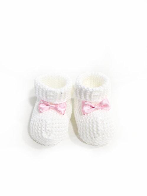 Babyslofjes gebreid, wit met roze strikje