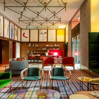 HOTEL ROOM MATE