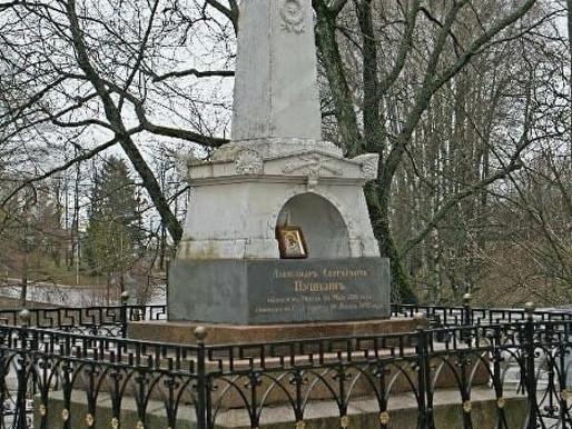 Некрополь Пушкиных-Ганнибалов в планах работ по реставрации в апреле-мае 2021 г.