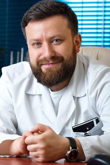 Суренков Дмитрий Николаевич