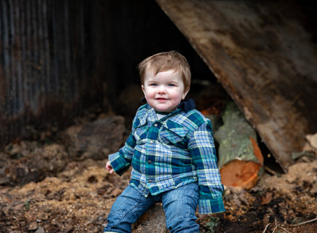 Bruce turns one and celebrates with a family photoshoot at home on the farm!