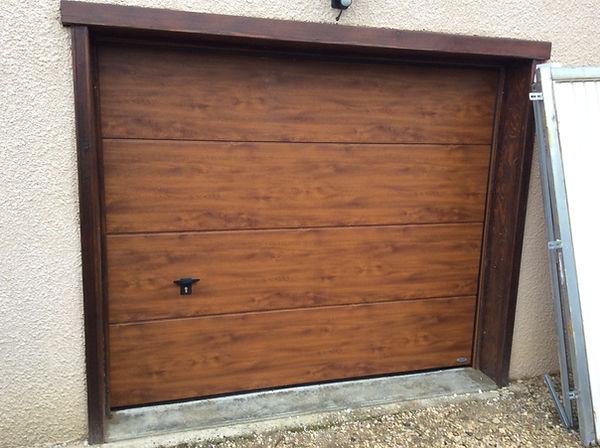 porte de garage sectionnel motorisé