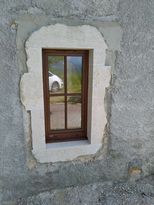 fenêtre PVC couleur noyer