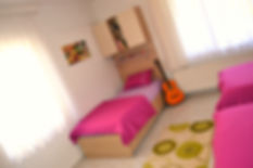 Odalarımızda ki her öğrenciye özel yataklar, kitaplıklar