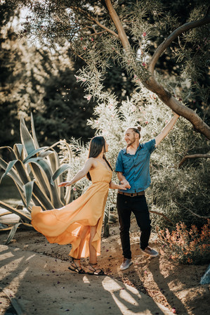 sacramento-photographer-engagement-photos