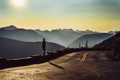 glacier-national-park-sunset-and-road