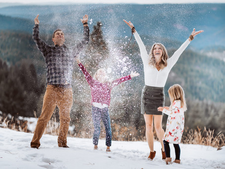 Winter Family Photos in the Mountains!