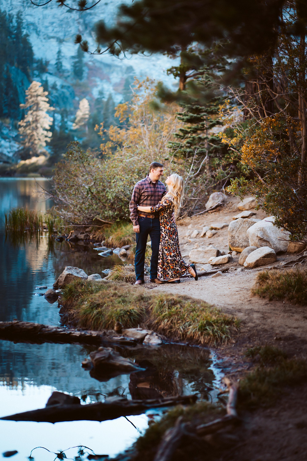 A couples photo shoot in Lake Tahoe