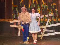 Wizard of Oz Dorothy and Scarecrow