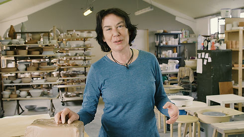 Leer keramiek draaien: Françoise Busin bij Keramika in Waarschoot
