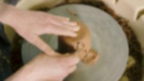 Leer keramiek draaien: Een tas afdraaien op de draaischijf