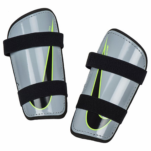 Canilleras Nike SP2101-012