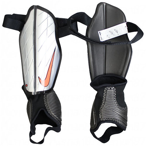 Canilleras Nike SP0313-080