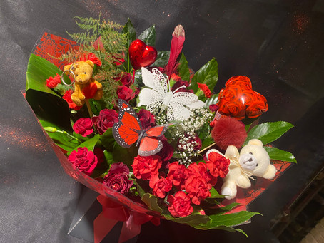 Valentine bouquets ready to order!