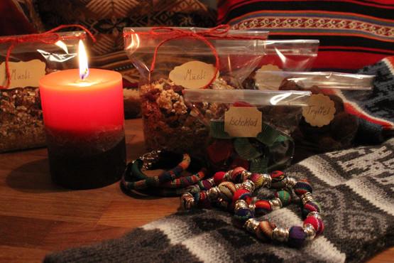 På föreningens basarer säljs bolivianskt hantverk och hemgjorda produkter.
