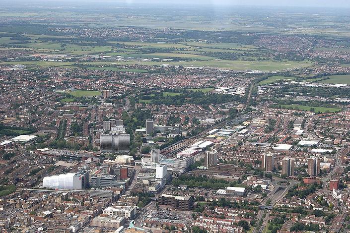 1200px-Southend_aerial_220608.jpg