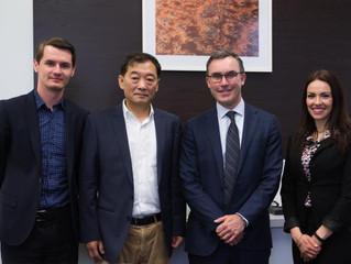 澳大利亚报业集团董事局主席刘聿先生应南澳州独立参议员Tim Storer先生邀请进行采访