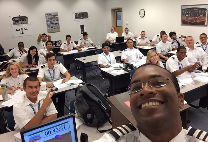 141 Ground School Classes, Aviation Degree. Aviator College & European Flight Training, Flight Training Schools in Florida, USA.