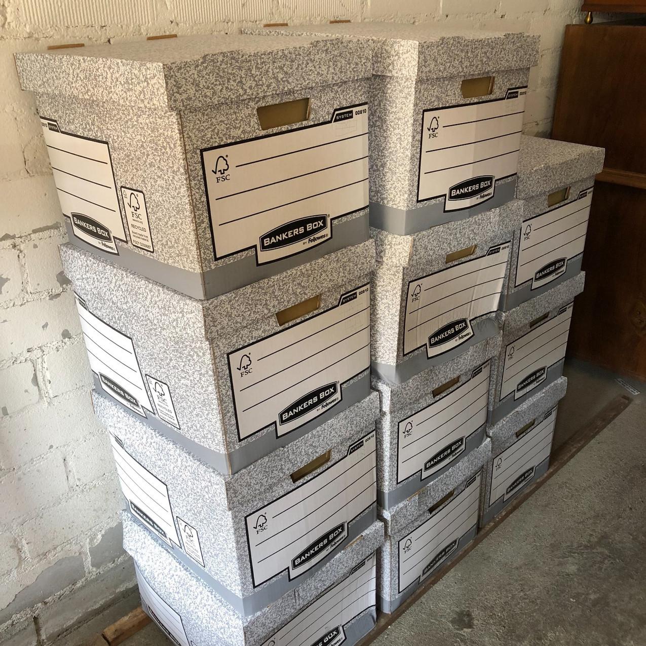 11 Archivboxen