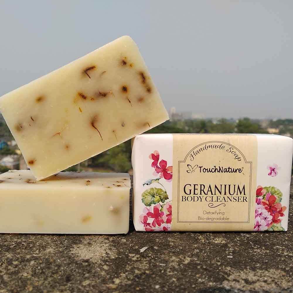 handmade-geranium-bar-soap-touch-nature.