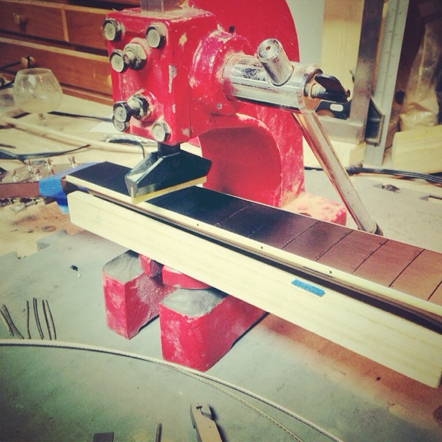 Acoustic Fret Press w/ Binding.