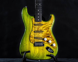 Avocado Burst w/ Quilted Maple PG