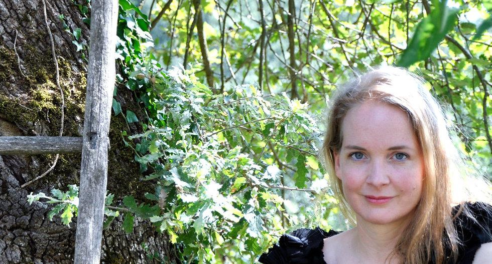 Amelia%20Albers%20Eichenhain_edited.jpg