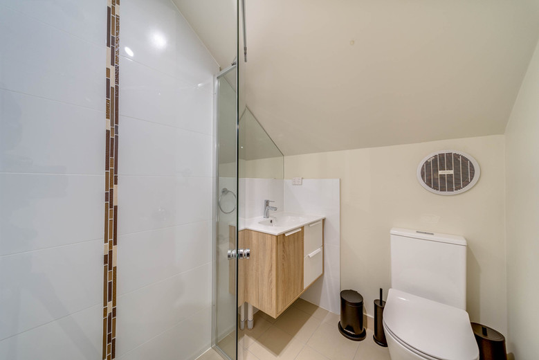 Marulan Stayz - Executive Self Contained Loft Suite