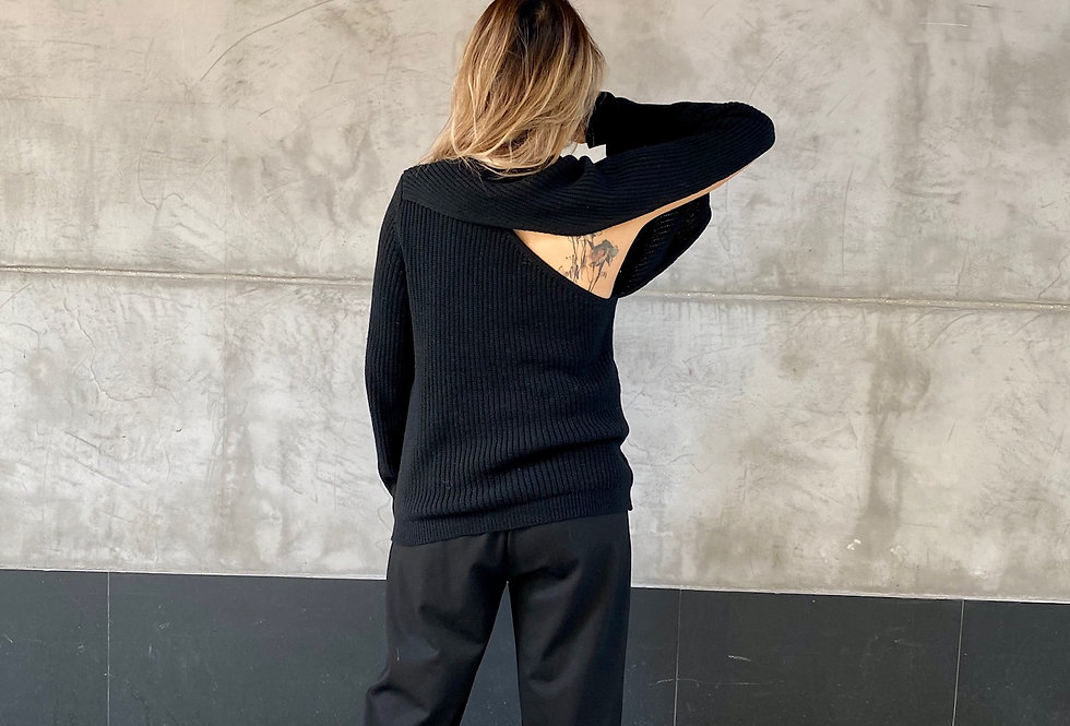BASIC CUT OUT KNIT TOP (Recommended Item!)