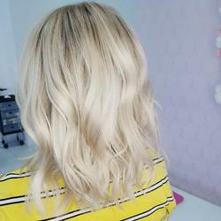 Bombshell blonde ⚡️..