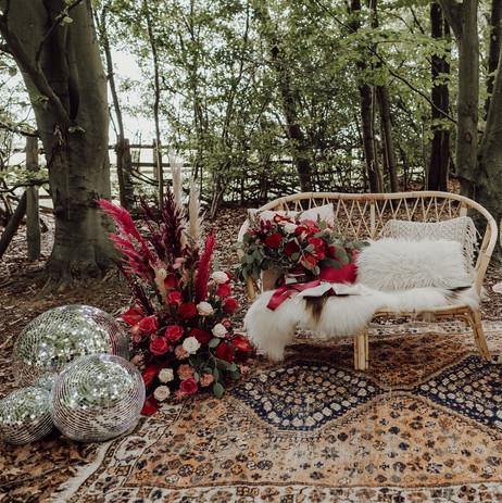 Photographer: Gina Fernandes / Florist: Amanda Steele Flowers