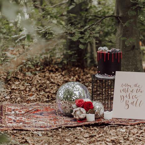 Photographer: Gina Fernandes / Florist: Amanda Steele / Cake: Red Robin Cakery / Signage: Wild Calligraphy