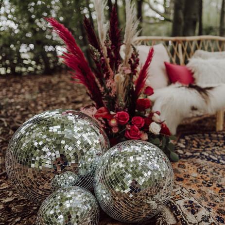 Photographer: Gina Fernandes / Florist: Amanda Steele