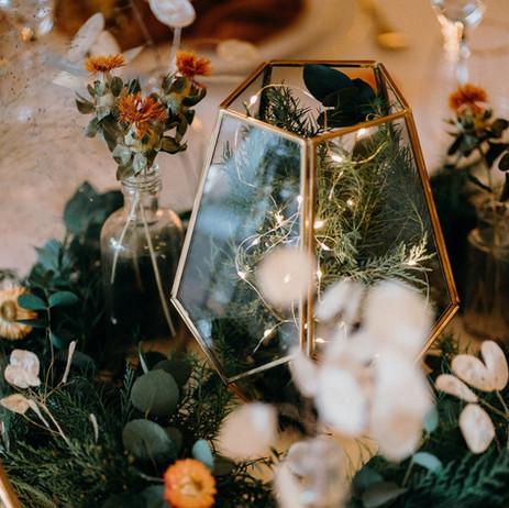 Photographer; Bowl of Corks / Florist: The Flower Patch