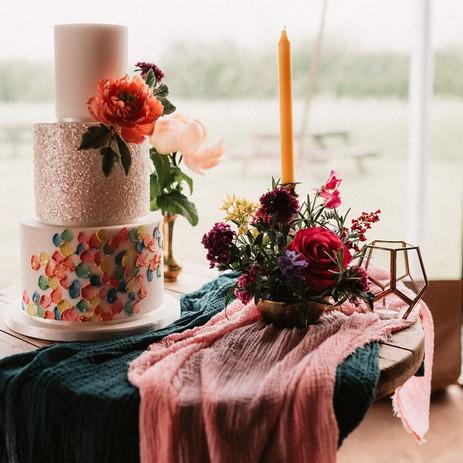 Photographer: James Morris / Florist: The Flower Fairy / Cake: Storeybook Cakes