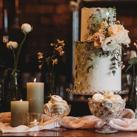 Photographer: Jo Greenfield / Florist: Gigil & Bloom / Cake: Storeybook Cakes