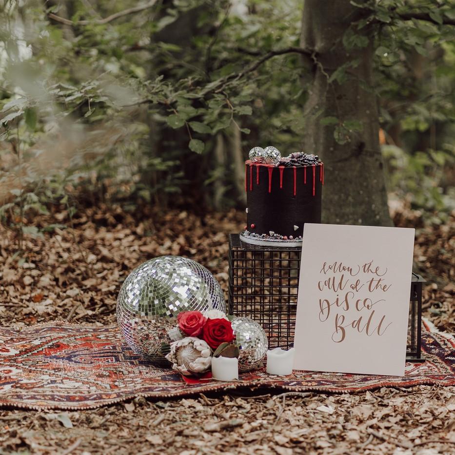 Photographer: Gina Fernandes / Florist: Amanda Steele / Signage: Wild Calligraphy / Cake: Red Robin Cakery
