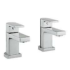 Wessex Bath Tap Pair