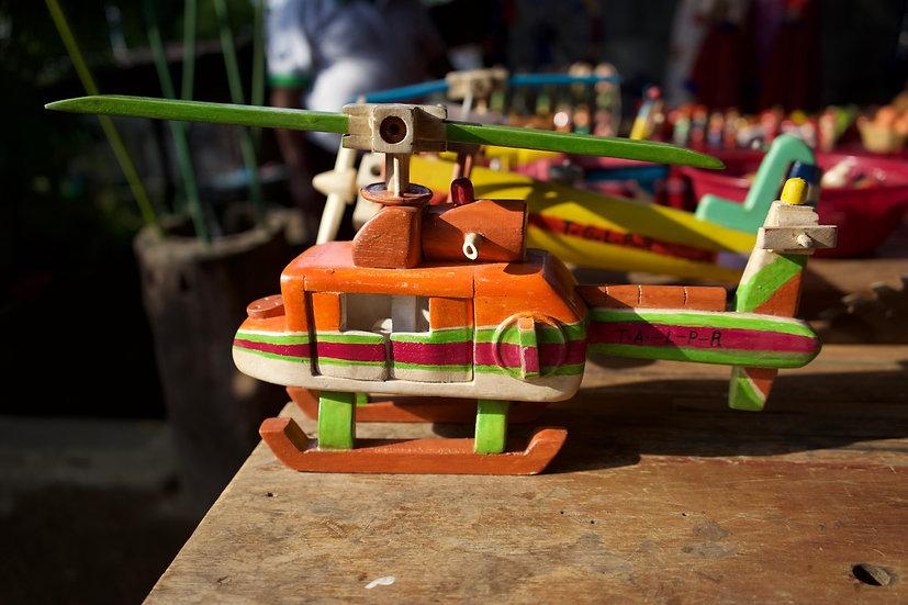 Helicóptero en madera