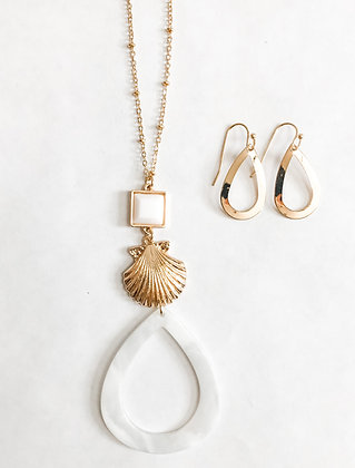 White Shell Necklace Set