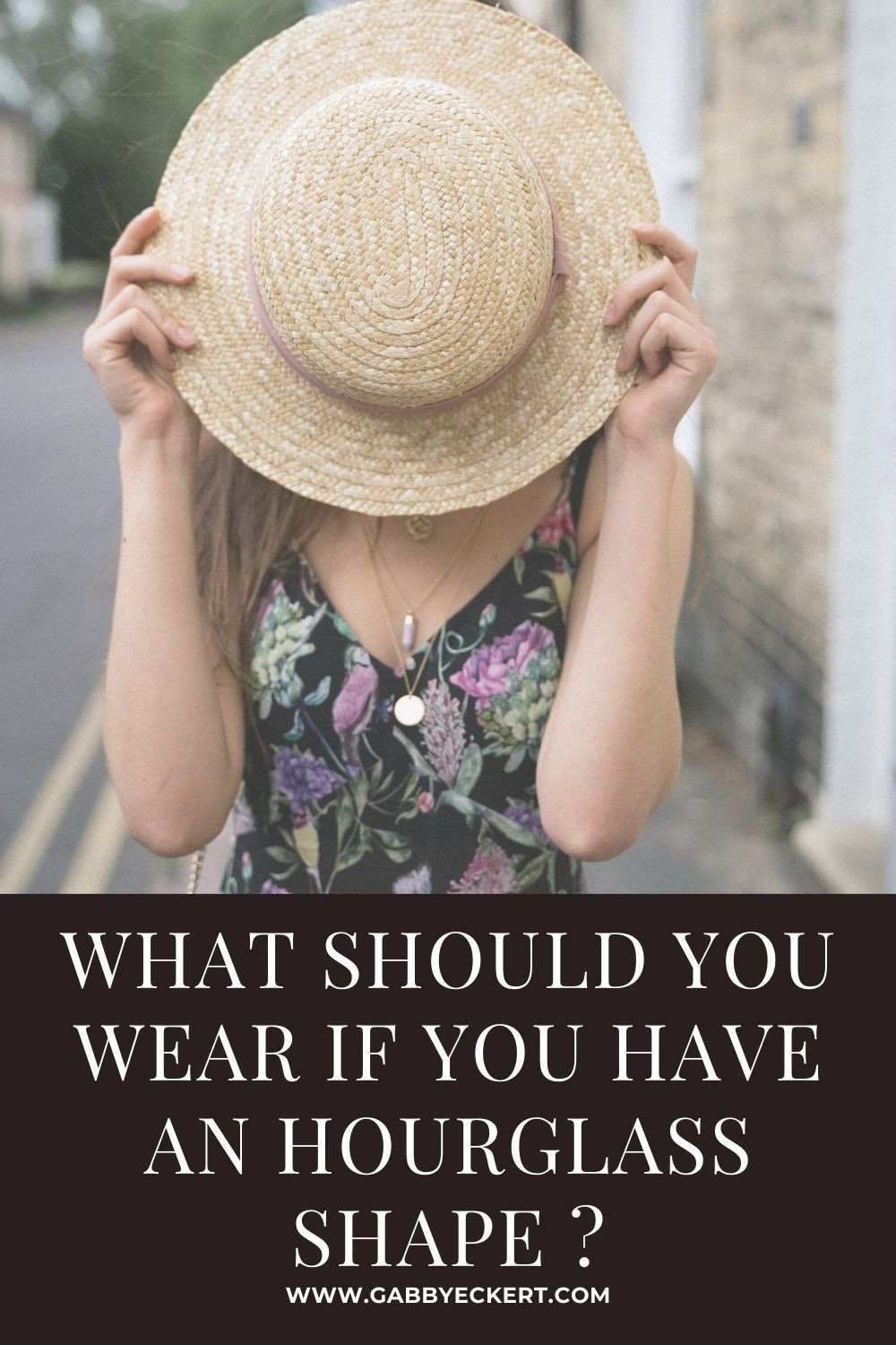 What should you wear if you have an hourglass body shape