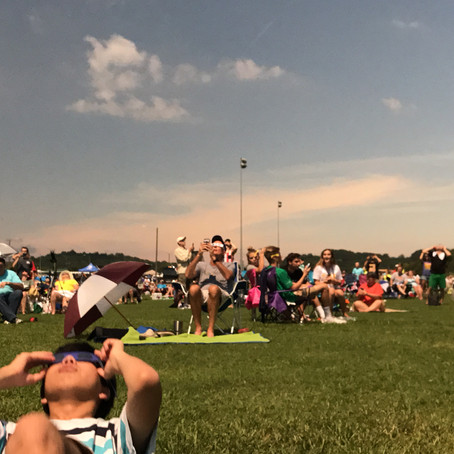 Perceiving the World in a Solar Eclipse