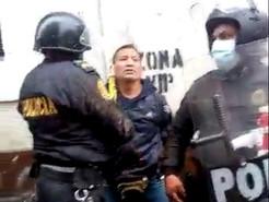 Peruano habría sido encarceIado, por protestar contra v4cunas obligatorias (VIDEO)