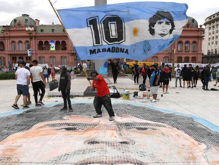 ¡El último adiós a Maradona!