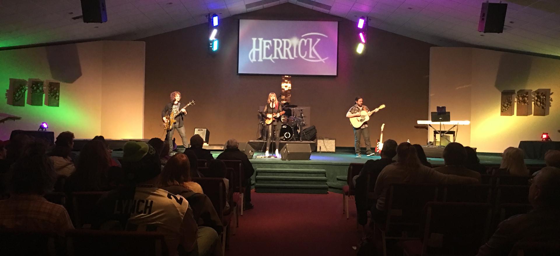 Herrick-Live11.JPG