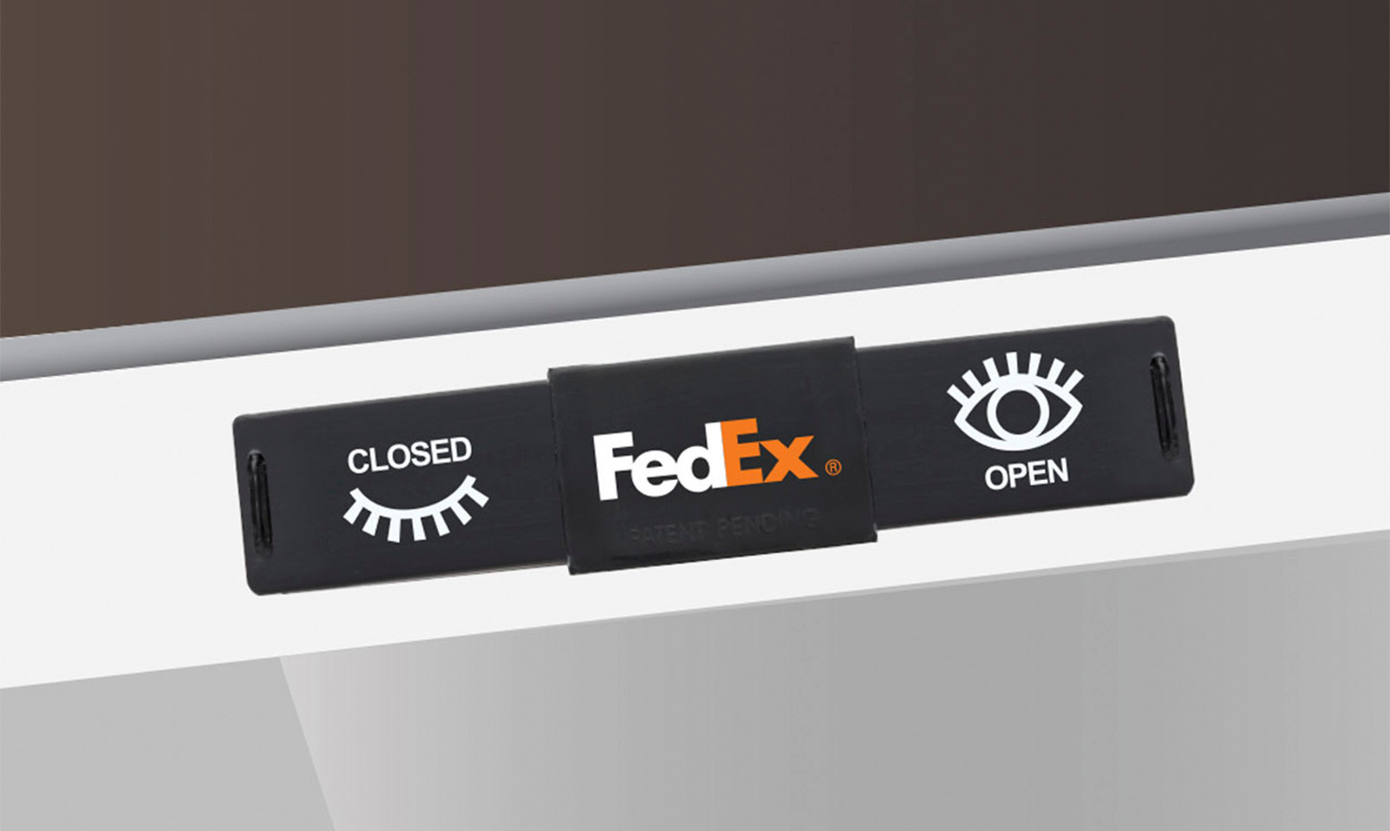2.0-Fedex-vector-laptop-closed 2.jpg