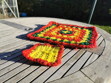 Make a Dish Scrub from a Fruit Net Bag!