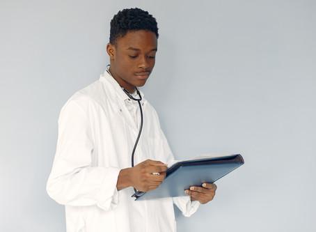 O pluralismo dos profissionais de saúde