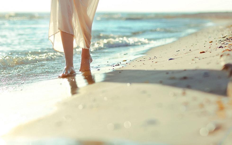 Walking on Beach Ocean Feet Summer Wallp